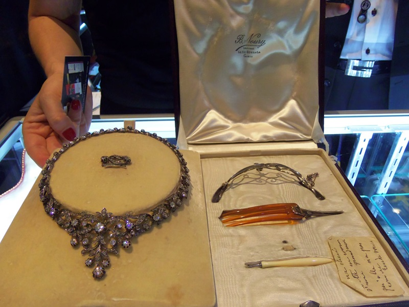Have you ever seen a more complete piece? Necklace with a fixture that turns it into a Tiara all in a custom fitted jewelry presentation box.