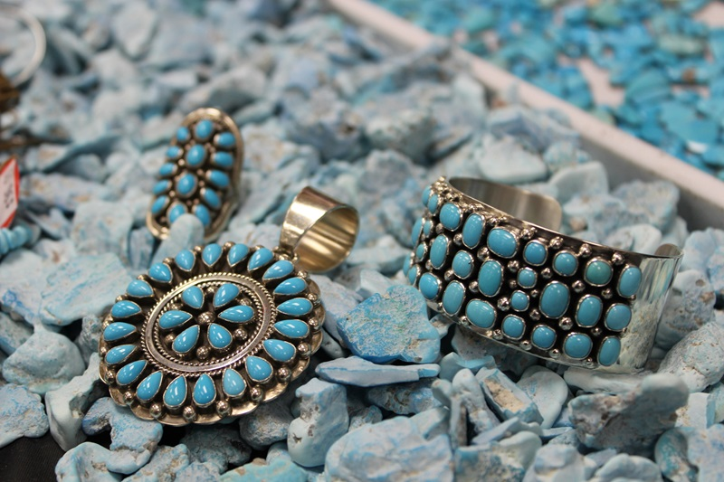 The JOGS Show has a wide selection of Turquoise jewelry, native american jewelry and rough turquoise in our Southwest and Turquoise Pavilions.