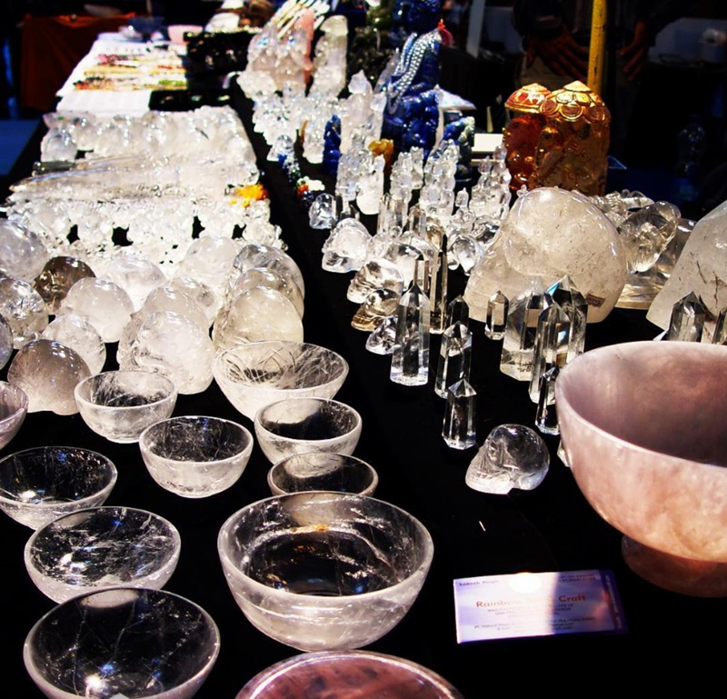 Quartz is a well-loved carving material for gemstone enthusiasts, and you can pick up many quartz carvings at the JOGS Show.
